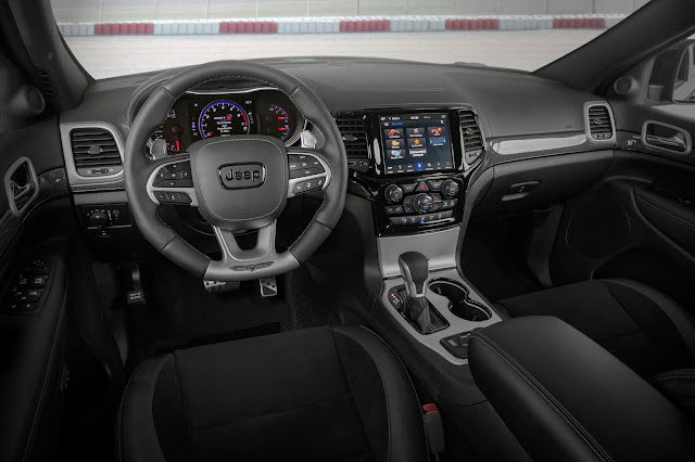 Interior of 2019 Jeep Grand Cherokee Trackhawk