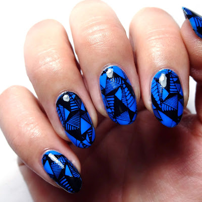 Drop That Bass Nail Art