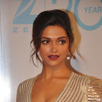 Deepika padukone at zee cine awards 2013
