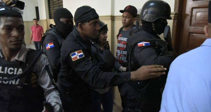 Ratifican medida de tres meses de coerción a Marlin Martínez, implicada en caso asesinato Emely Peguero