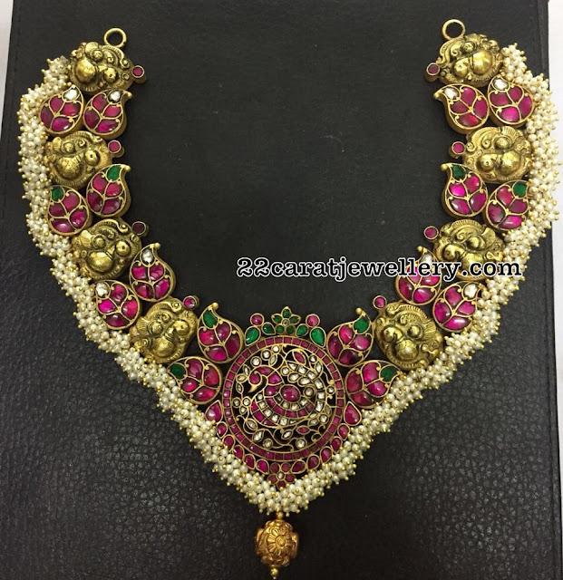 Mango Clasps Kundan Nakshi Fancy Necklace