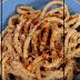 Ένα ξεχωριστό πιάτο: Μακαρονάδα με καραμελωμένα κρεμμύδια και τυριά (video)