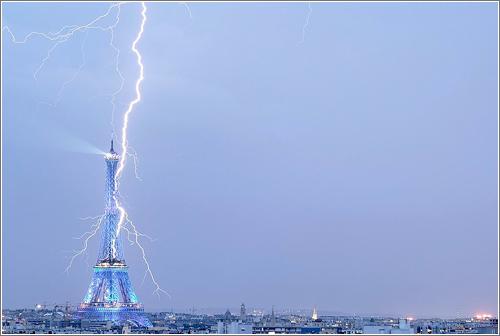 Enroque de ciencia: ¿Por qué la Torre Eiffel no se ha caído?