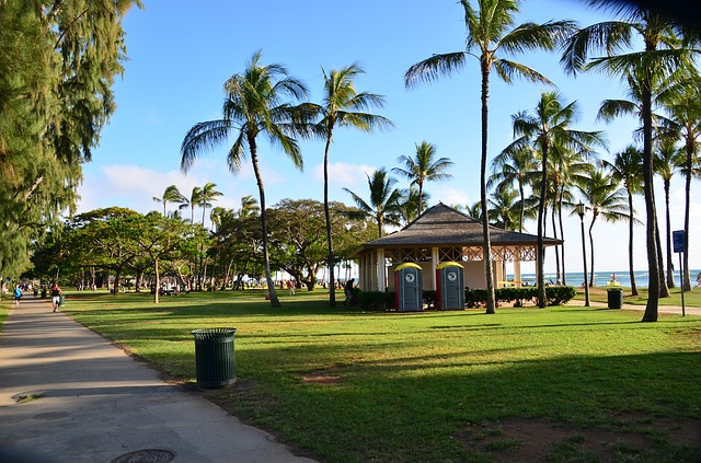 couples vacations in Honolulu