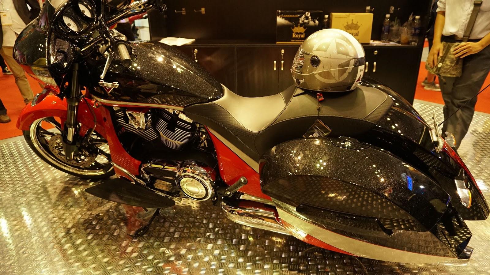 Thực sự Victory Magnum là một siêu mô tô quá lớn, quá mạnh