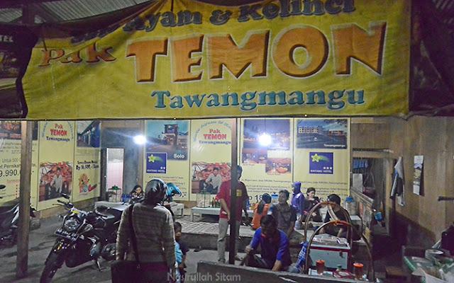 Warung Lesehan Sate Kelinci & Ayam milik Pak Temon