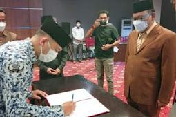 Samsuddin Kadir Lantik 37 Pejabat Administrasi di Pemprov Maluku Utara