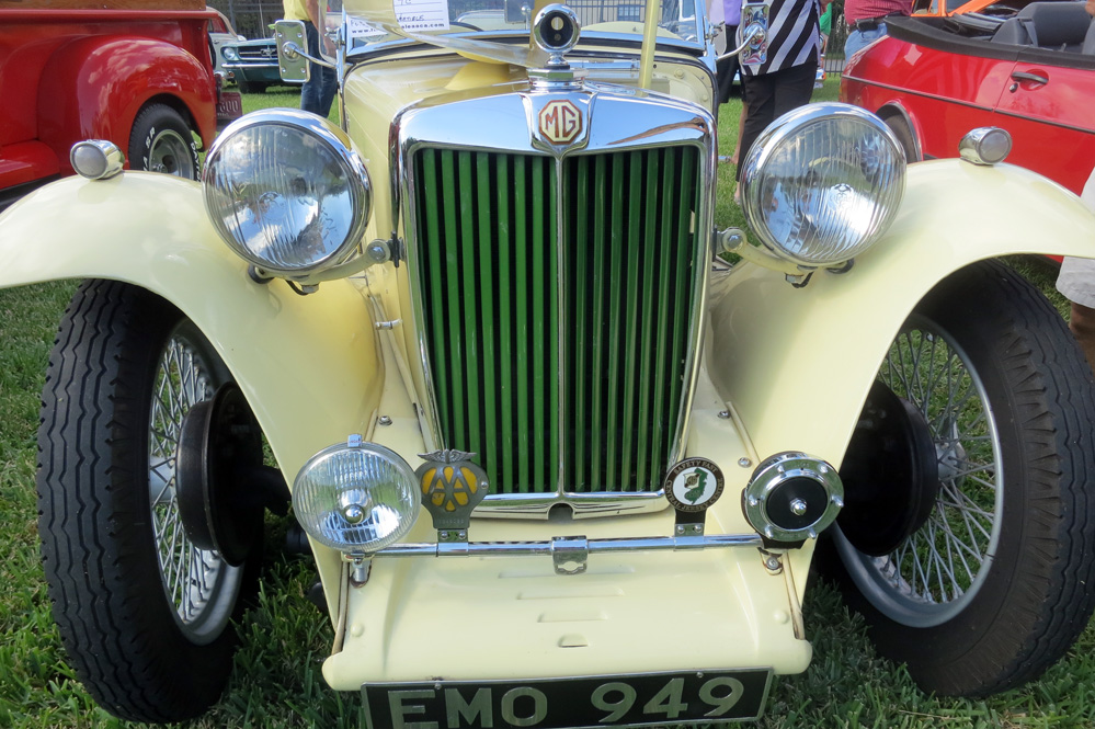 Front of old MG car.