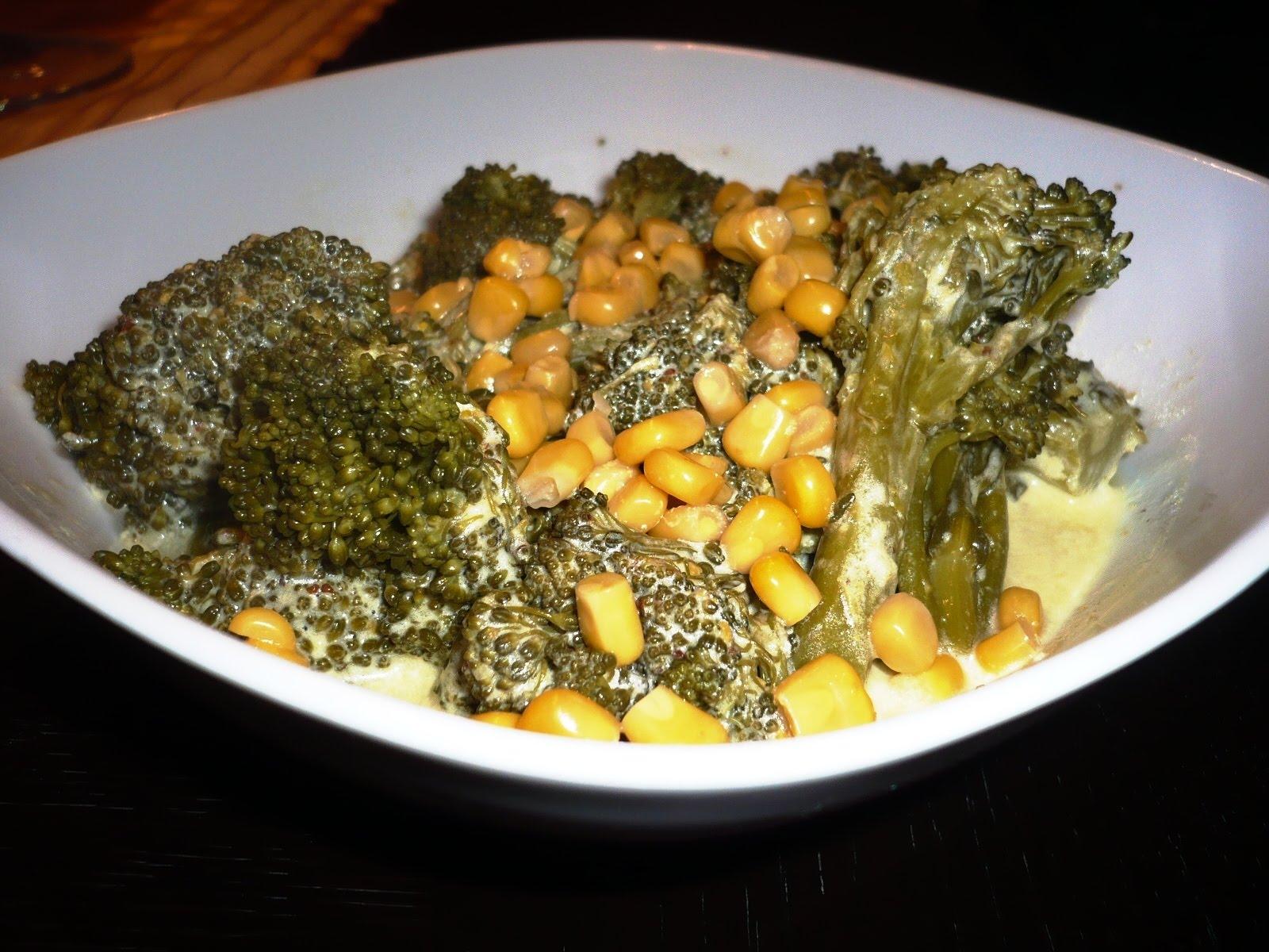 Kırmızı Biber Soslu Brokoli Salatası