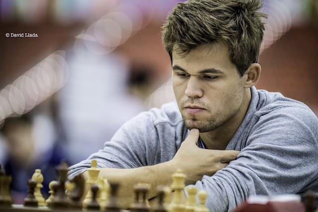 Online sakktorna - Carlsen győzött a döntőben Caruana ellen