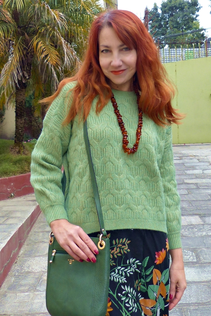 light green wool cashmere sweater, Da Milano bag and amber beads necklace
