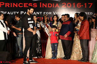 John Aham, Bhagyashree, Subhash Ghai and Amyra Dastur Attends Princess India 2016 17 055.JPG