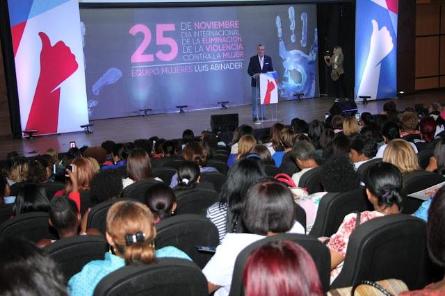 Abinader propone monitoreo eléctrónico, entre medidas para detener violencia contra la mujer