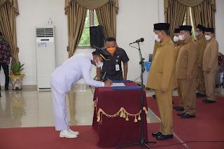 Bupati H Ashari Tambunan Lantik 52 ASN Pejabat Administrator di Lingkungan Pemkab Deli Serdang, Ini Daftarnya!