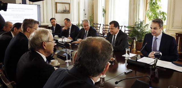Η κυβέρνηση Μητσοτάκη μετατρέπει τη δίδυμη -υγειονομική και οικονομική- κρίση σε νεοφιλελεύθερη ευκαιρία