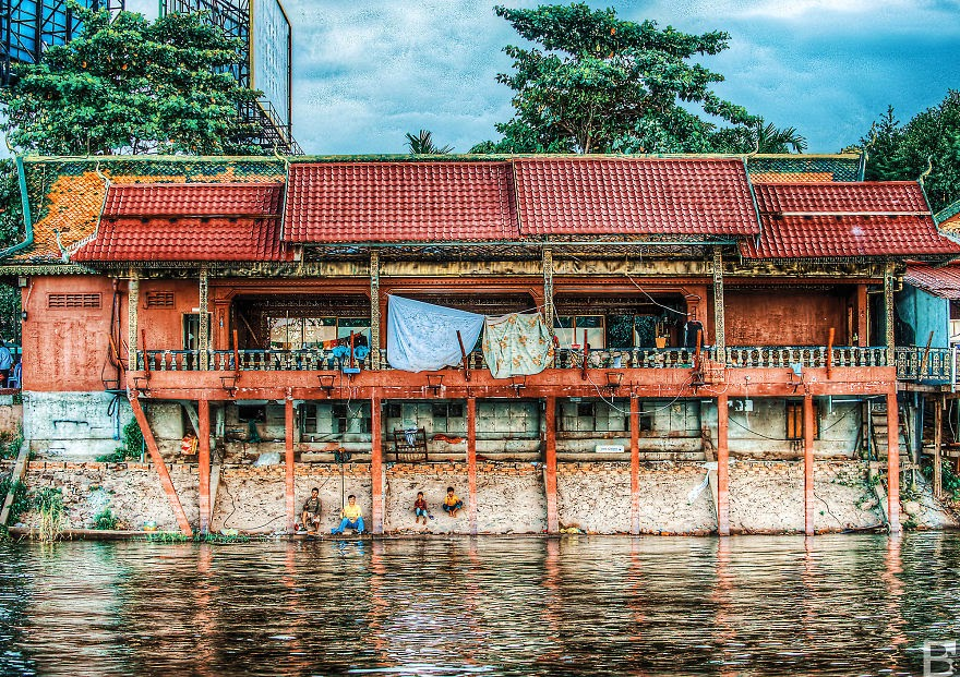 Fishing on the Mekong - Temples, Markets And Rain – My Trip Around Cambodia