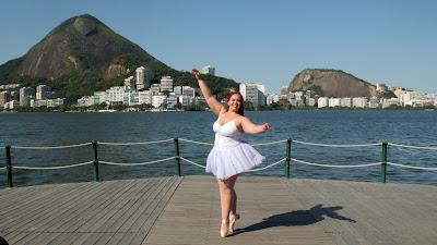 Brasileira Tahina em cena da série - Divulgação