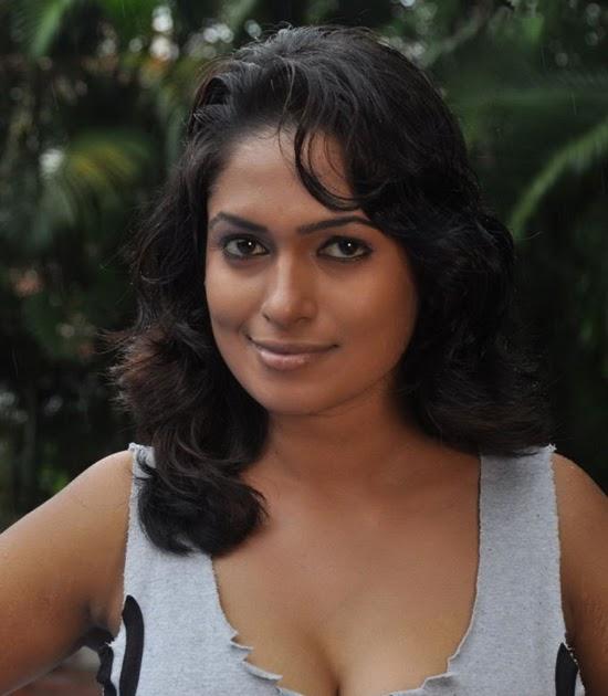 Murattu Kaalai Tamil Movie Stills: Sokkali Tamil Movie Hot Stills