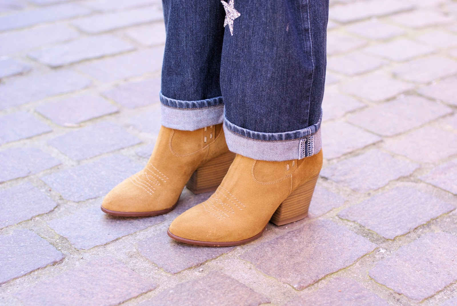 texan ankle boots on Fashion and Cookies fashion blog, fashion blogger style