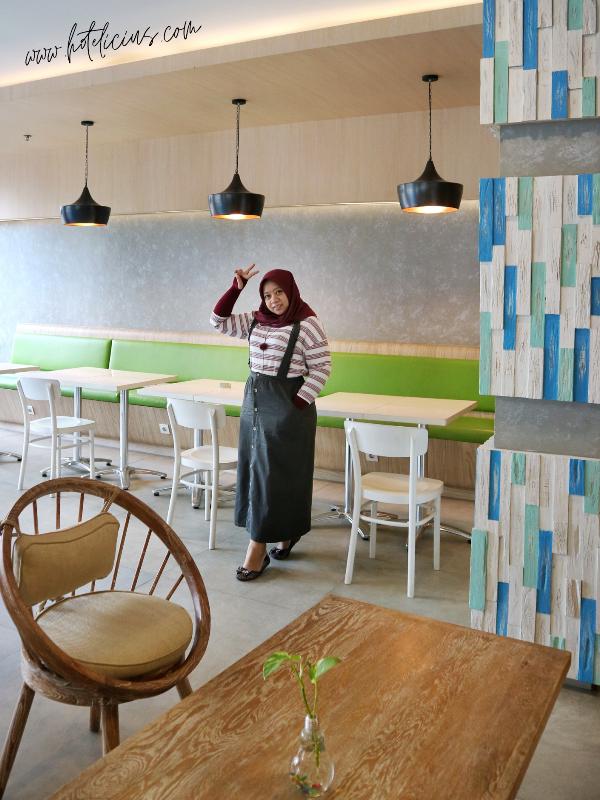 Lounge Area at Pop Hotel Timoho Yogyakarta