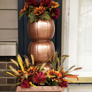 https://www.thechictechnique.com/2017/10/indoor-outdoor-fall-decor.html