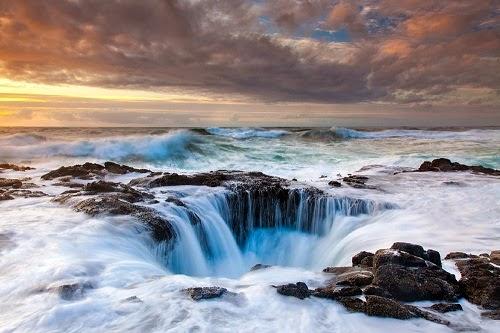 Lubang Alami Paling Keren, Lubang Terbentung Secara Alami, Lubang Aneh di Bumi