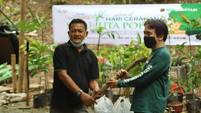 Komunitas Save Kali Cikarang Laksanakan Reforestasi Peringati Hari Gerakan Sejuta Pohon