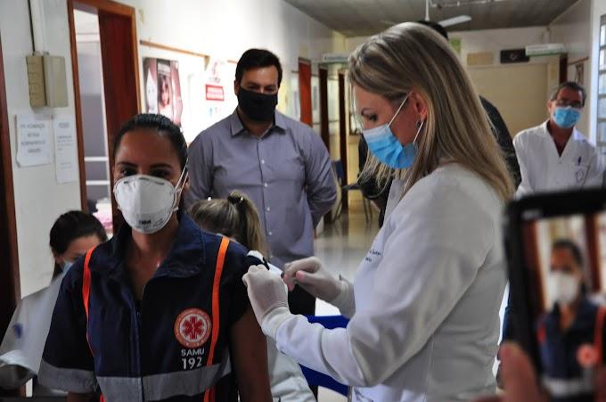 Ato simbólico marca o início da vacinação contra Covid-19 em Dom Pedrito