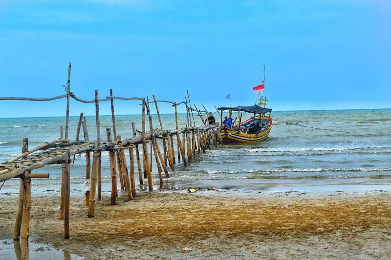 Destinasi Wisata Pantai Karang Jahe Rembang Cakrawala Tour Wisata