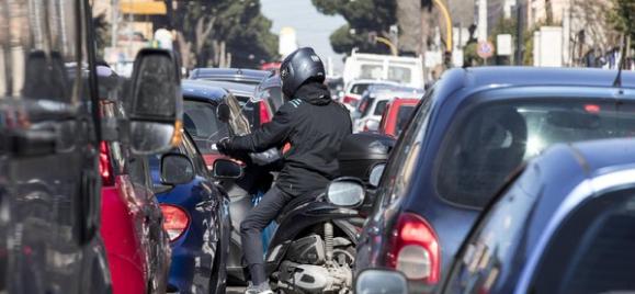 Bus lumaca, Roma come Bogotà: attesa media da 20 minuti