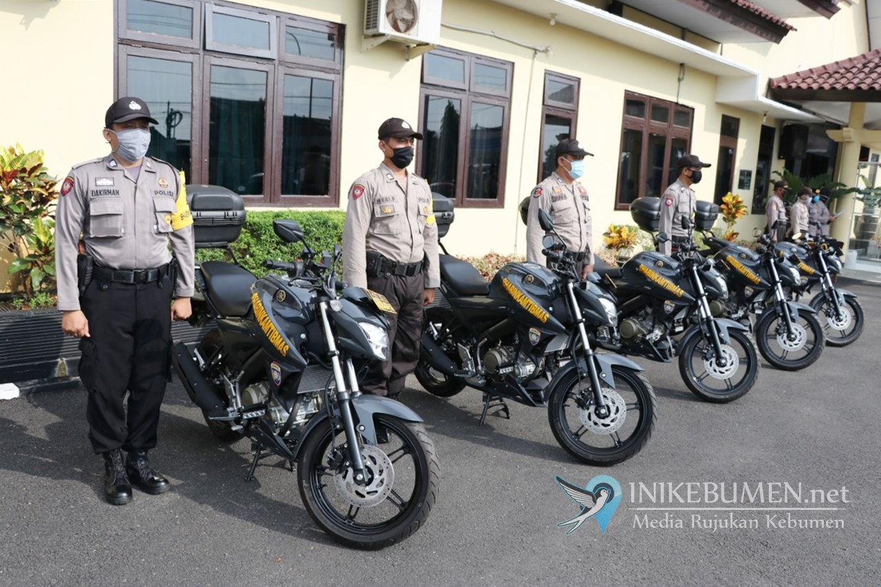 Lima Bhabinkamtibmas Polres Kebumen Terima Kendaraan Dinas Yamaha Vixion