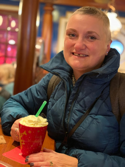 madmumof7 relaxing with hot choclate in Bremen Germany