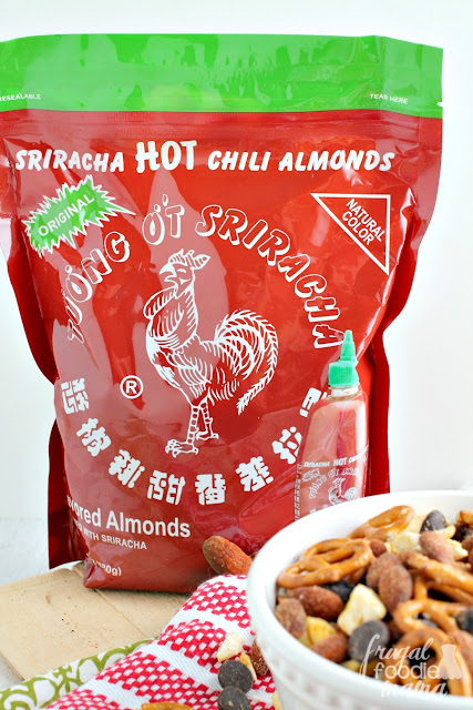 With the bold flavors of chiles, garlic, & vinegar, these Huy Fong Original Sriracha Almonds prove that you don't have to sacrifice flavor when you are wanting to snack a little healthier.