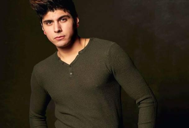 Ben Anthony es la voz en Toronto que hace música para los latinos