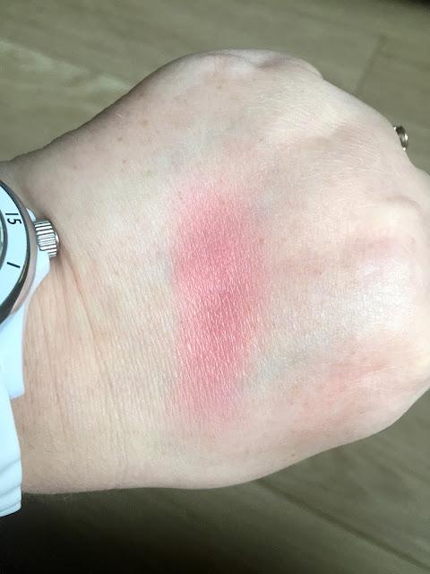 Clinique Pink Pop blush swatch