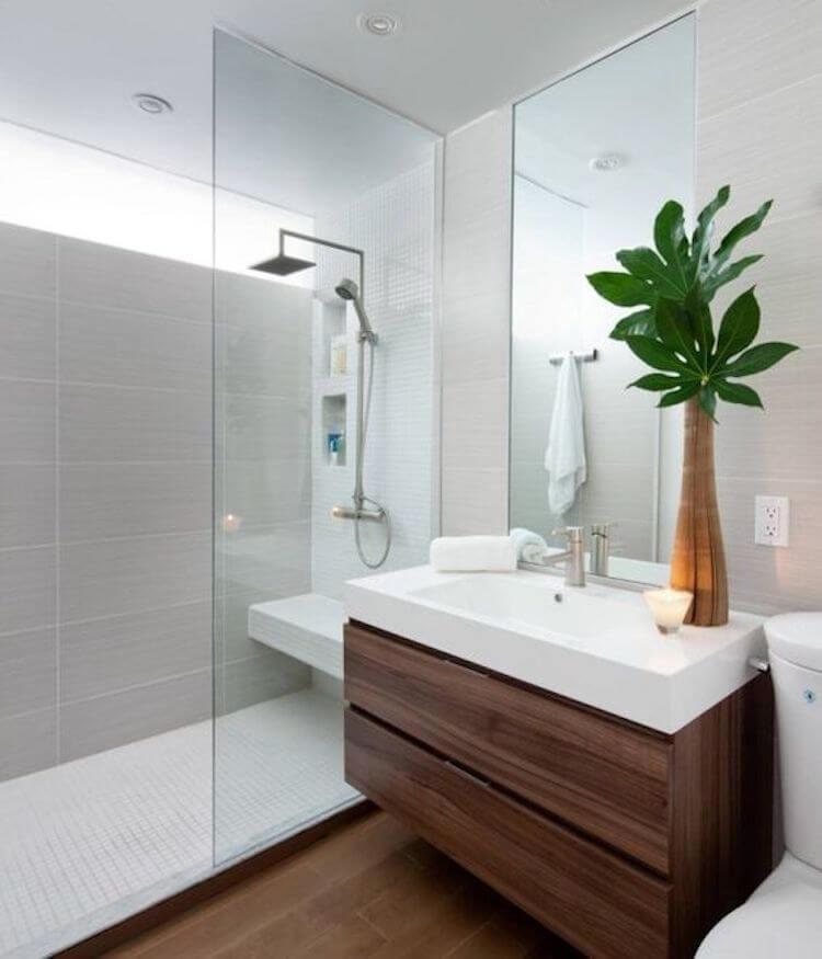 baño pequeño con ducha y mueble volado