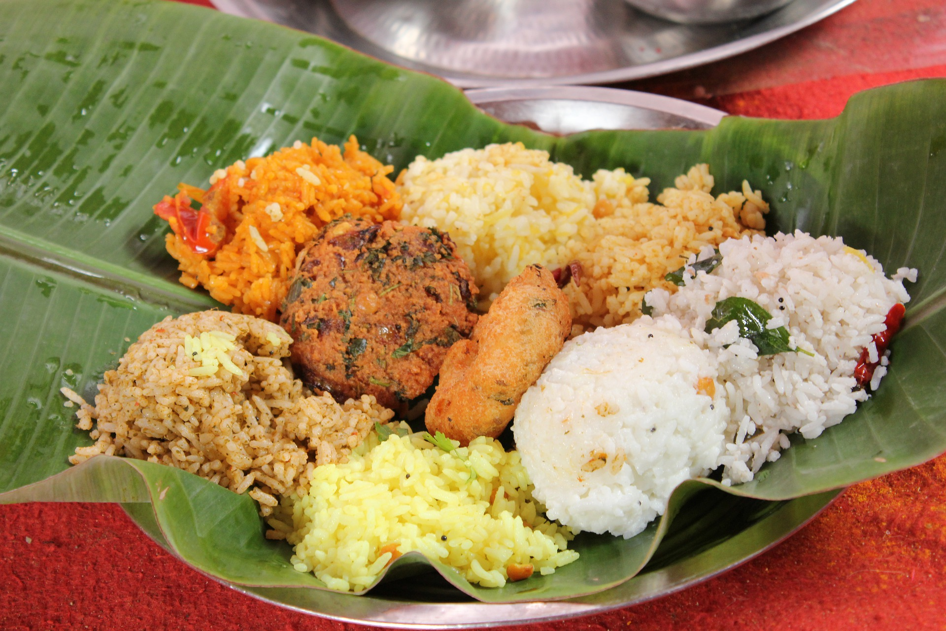 Why do we use banana Leaf or petals for meals?