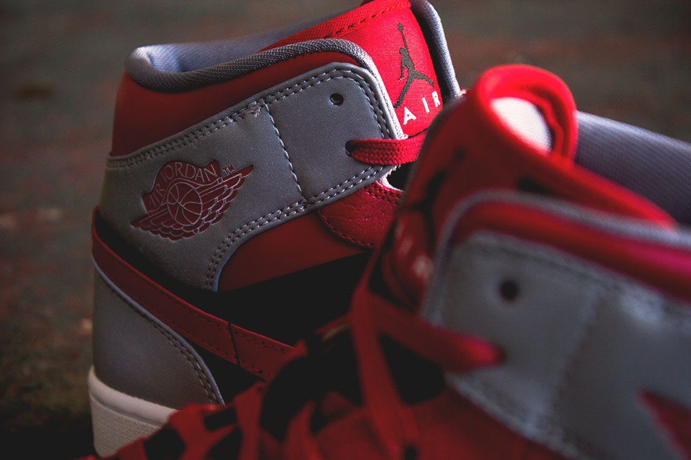 ... Chicago Bulls vibe throughout the premium leather upper 181177103