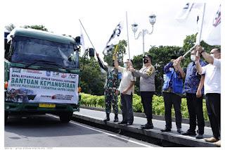 Gubernur dan Forkopimda Lepas 40 Ton Bantuan untuk Sulbar