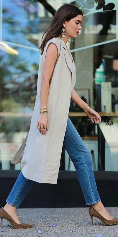 Looking forward to walking your workspace with style? Check out these 24 Stylish Summer Work Outfits for Women that are Office-friendly. Work Wear via higiggle.com | long Blazer | #summeroutfits #office #workoutfits #blazer