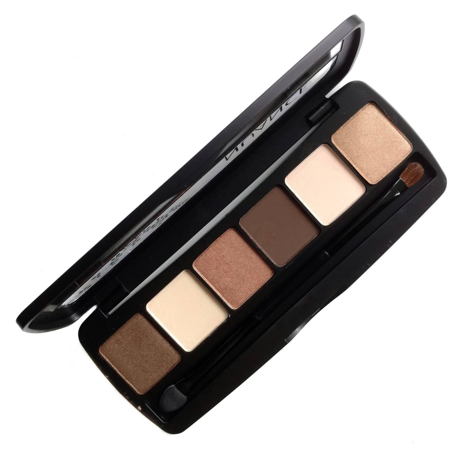 nuance salma hayek eyeshadow review