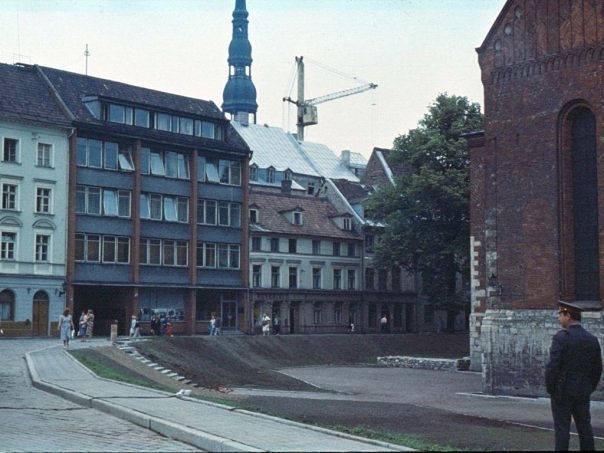 1990 год. Рига. Домская площадь под охраной