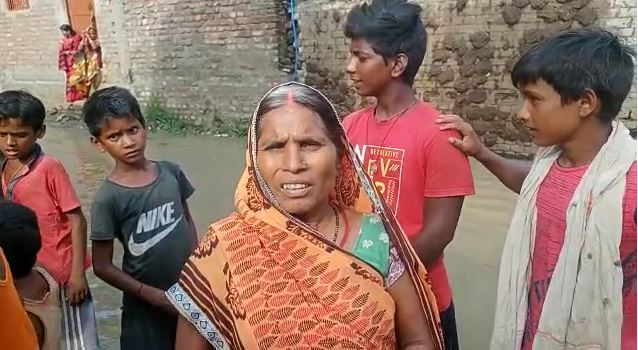 गंगा मैया ने पकड़ा रौद्र रूप ,मनेर दियारा हुआ जलमगन ,स्थानीय लोग पलायन करने को मजबूर