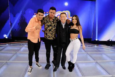 Raul com os jurados de Funkeirinhos (Foto: Rodrigo Belentani/SBT)