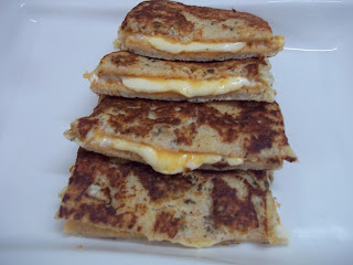 CHEESE-EGG FRENCH TOAST / CHEESE FRENCH TOAST