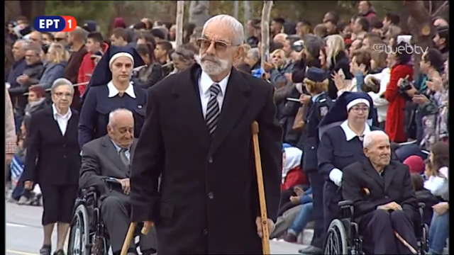 28η Οκτωβρίου: Την παρέλαση άνοιξαν οι ήρωες του πολέμου και της αντίστασης - ΦΩΤΟ