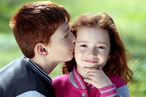 love couple images kiss