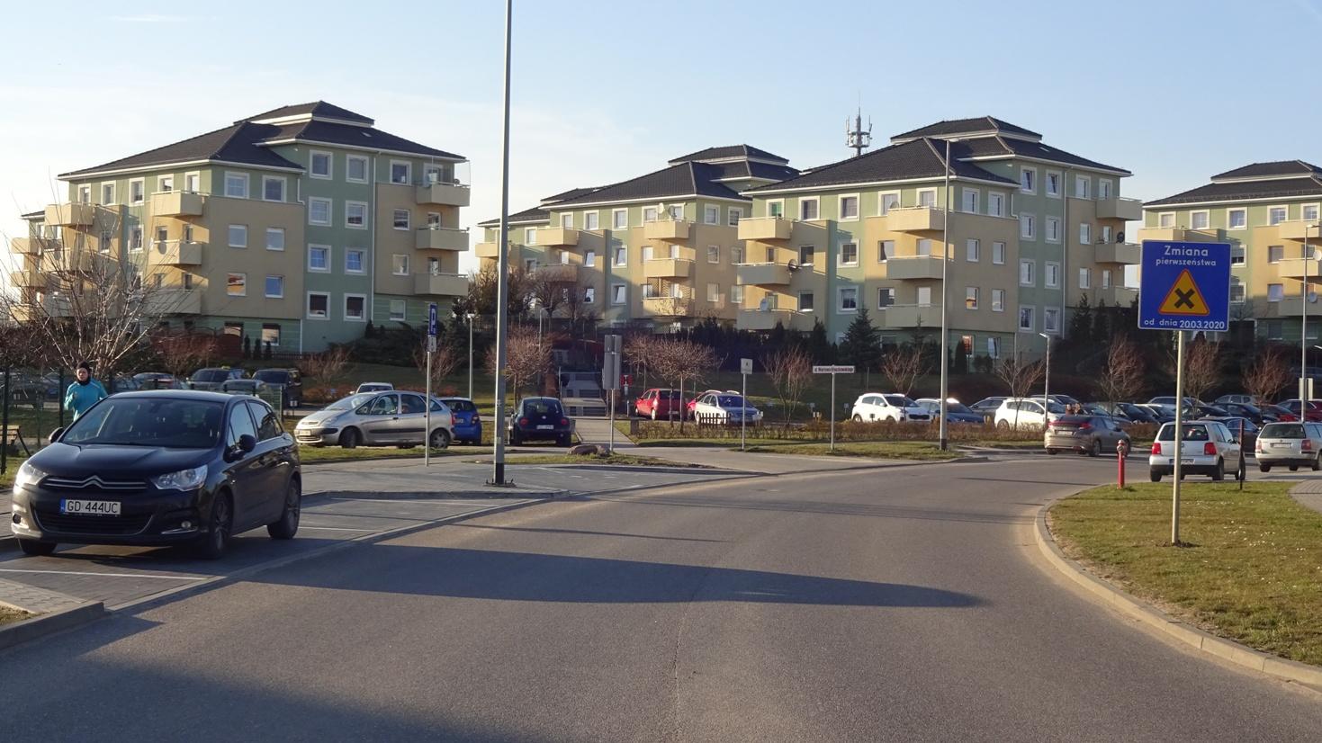 Gdansk-Poludnie-Uwaga-nowe-skrzyzowanie-i-zmiana-pierwszenstwa-na-Porebskiego