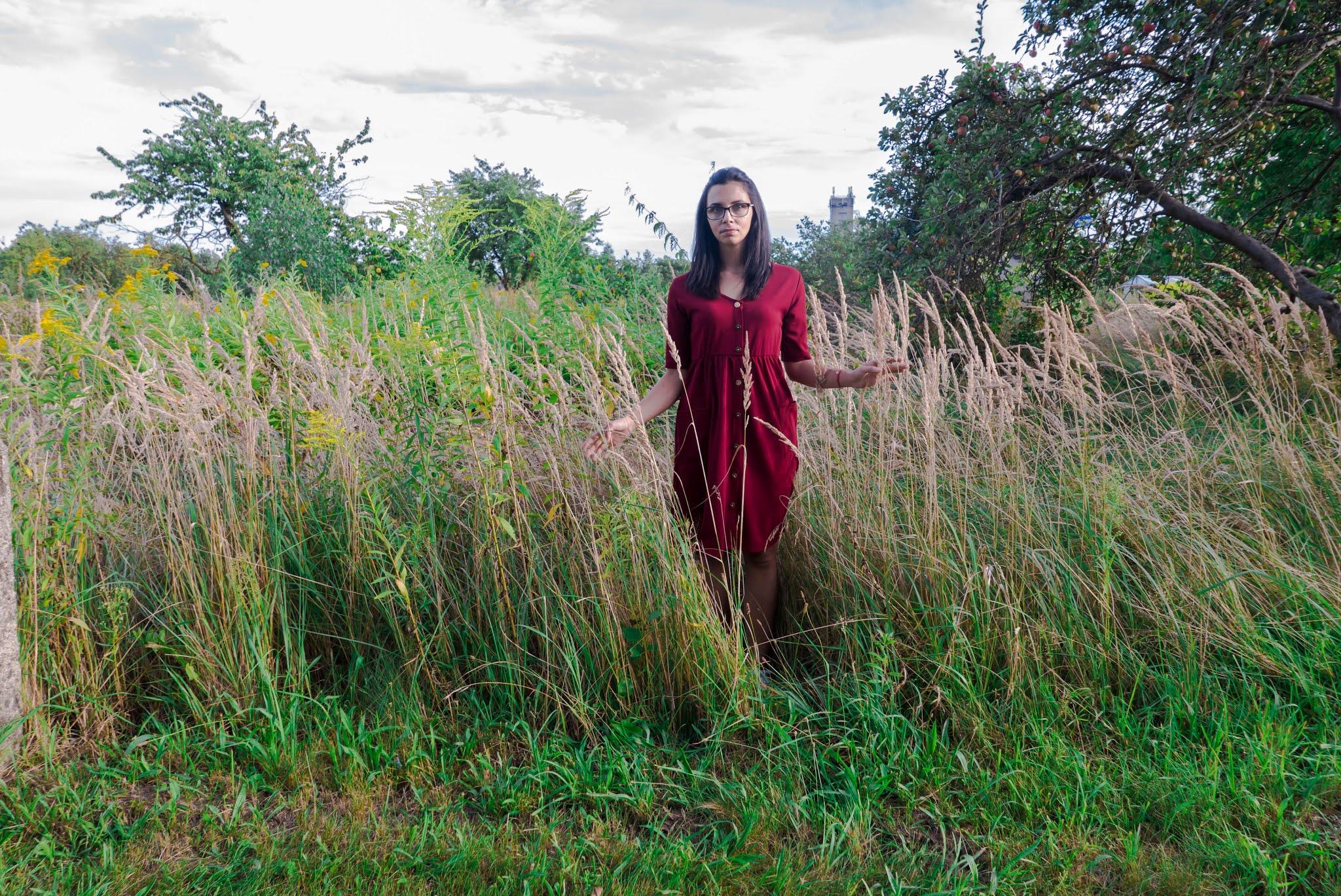 sukienka z guzikami na jesień