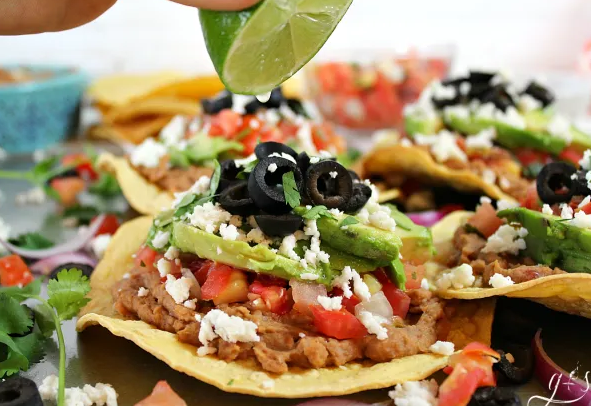 Easy Vegetarian Tostadas #vegetarian #easy #breakfast #salad #beef